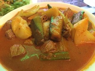 牛肉と野菜のカレー