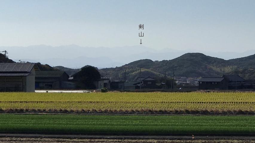 大日ダム近くから剣山が見える