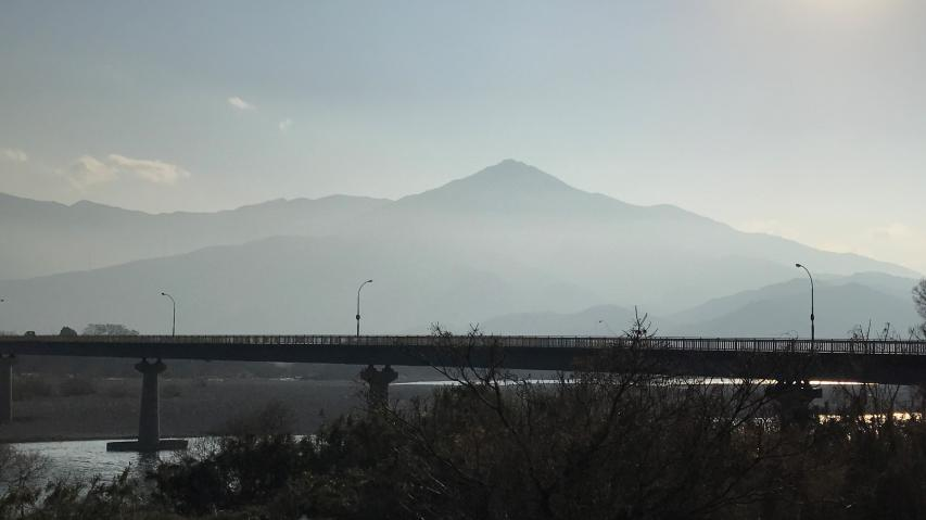 秀麗な高越山
