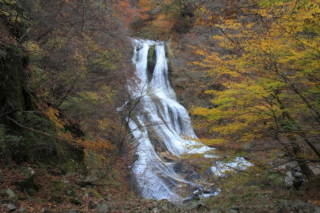 霧降の滝・11月②