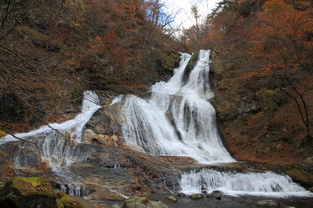 霧降の滝・11月④