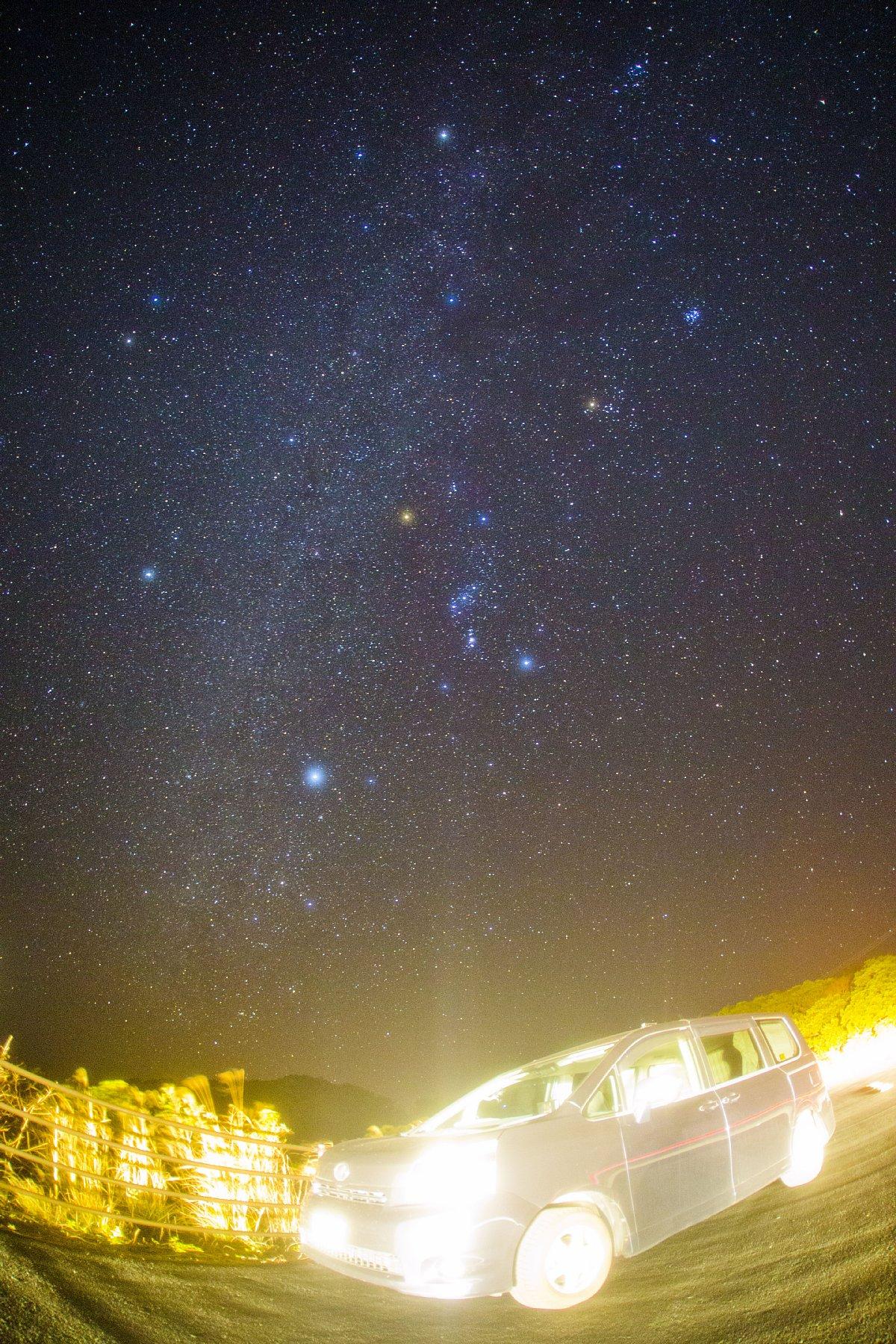 【星景】冬のダイヤモンドとトヨタ車が時空間ワープする瞬間