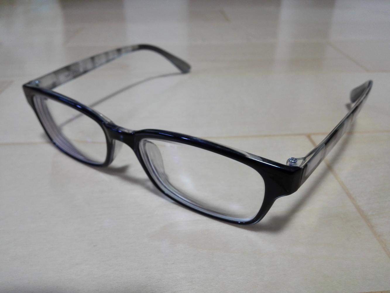 眼鏡のレンズのコーティングを剥がしました