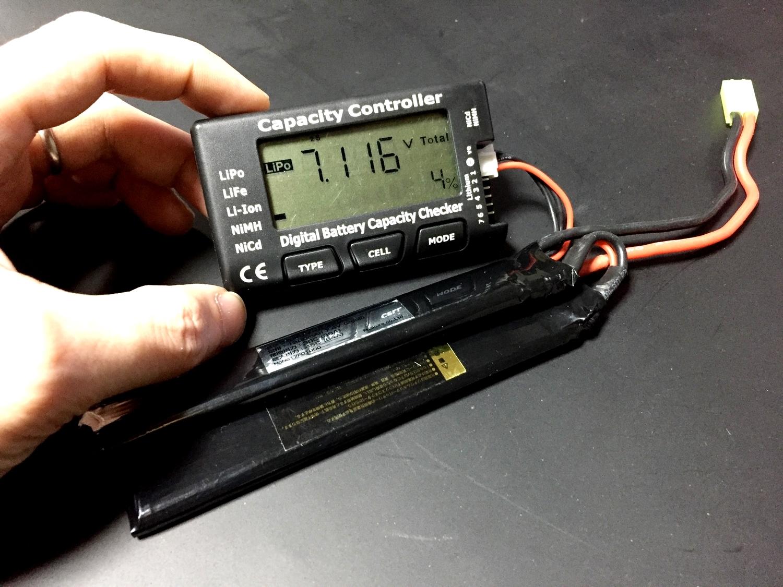 8 オススメ 電動ガン リポバッテリー 電圧チェック EAGLE FORCE イーグルフォース バッテリー セルメーター レビュー
