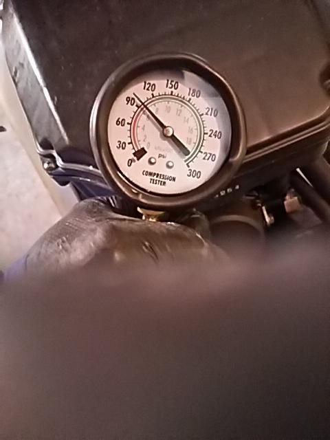 後エンジン圧