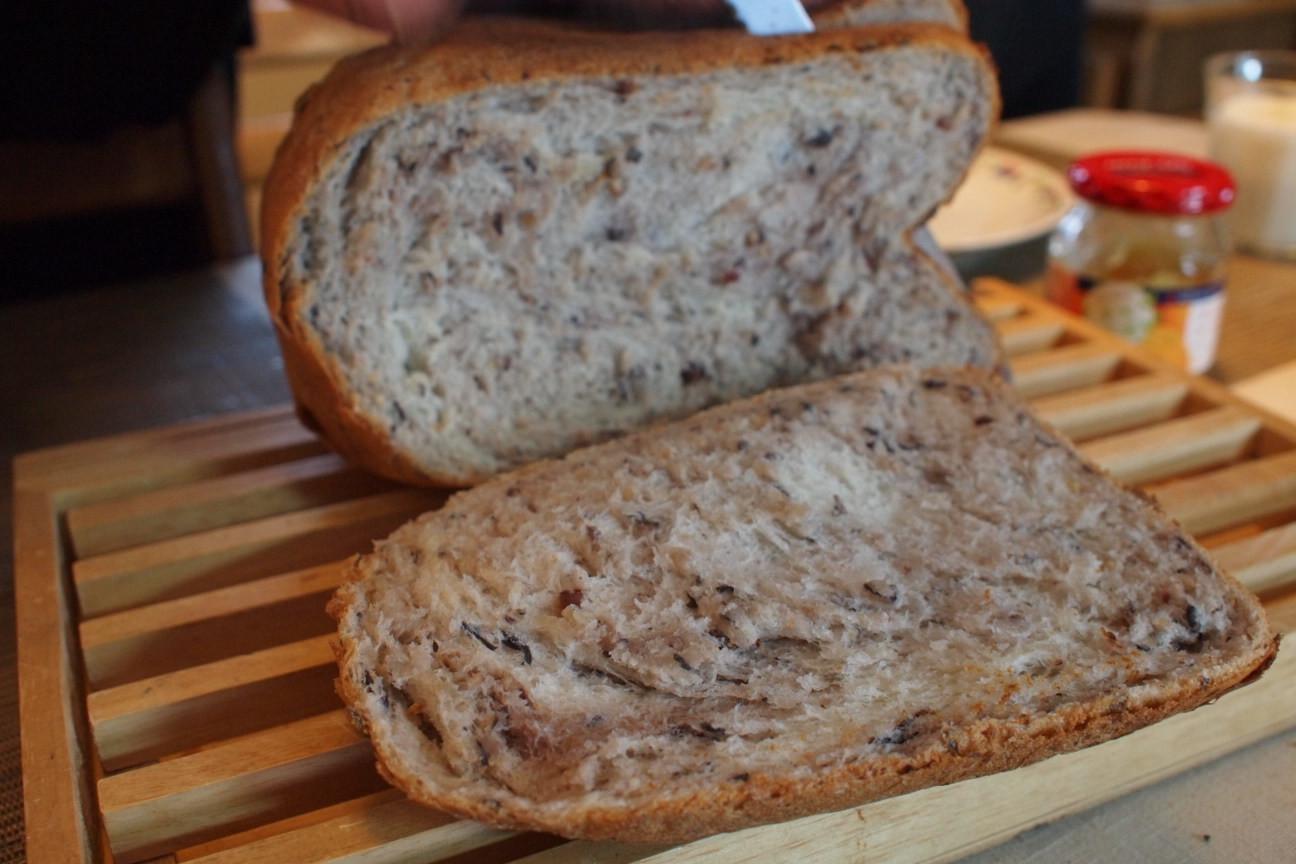 黒豆パン02