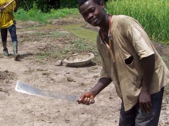 アフリカの焼畑用ナタ(蛮刀)