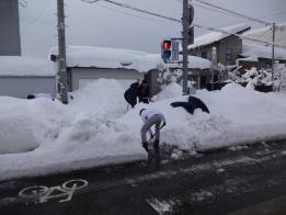 交差点の除雪もお願い