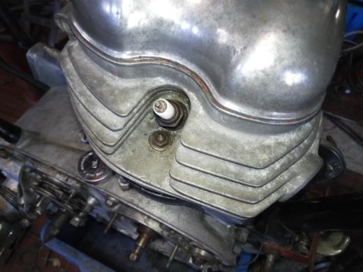 ①エンジンフィン磨き
