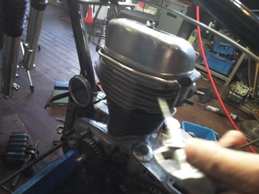 ①エンジンフィン磨き (8)