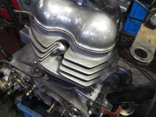 ①エンジンフィン磨き (9)