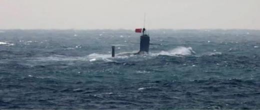 中共潜水艦1