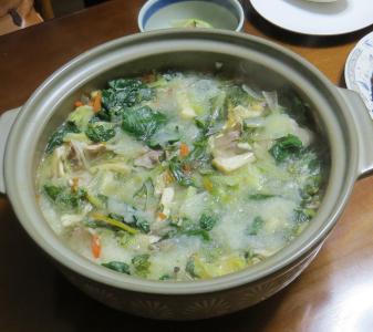 チジミホウレンソー入り鍋料理
