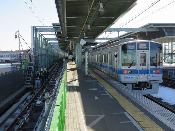 使用開始間近の登戸駅1番線