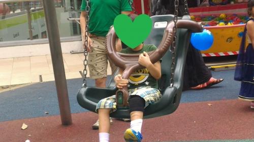 ダイソー膝サポーター3(6歳6ヵ月)