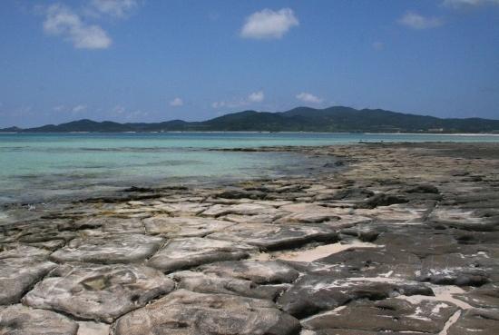 ①奥武島畳石 (550x369)