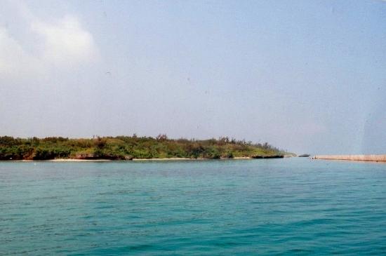 ①平べったい島 (550x365)
