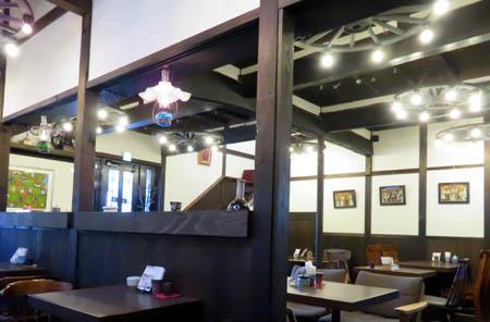 16cafeあしび店内