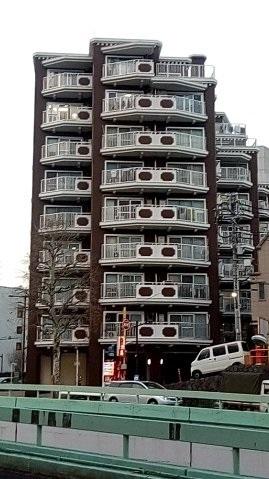 目白通り茶色ビル