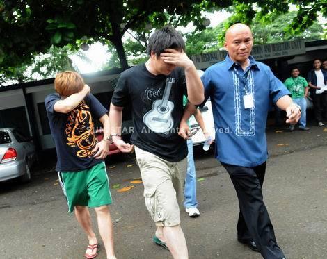 連行される犯人の韓国男たち。日本女性2人が強姦に(470x373)