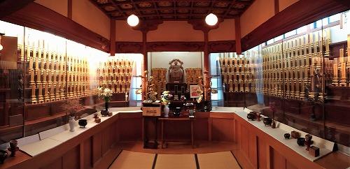 500東光寺位牌堂正月 (2)