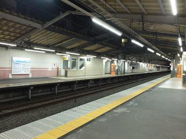 13人っ子一人たりともいない武蔵関駅ホーム0103
