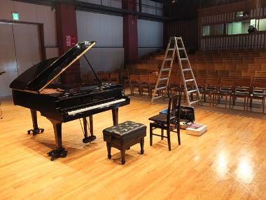 03釧路芸術館アートホールのステージ0218