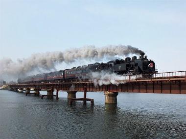 12上り9380レ釧路-東釧路釧路川橋梁0223