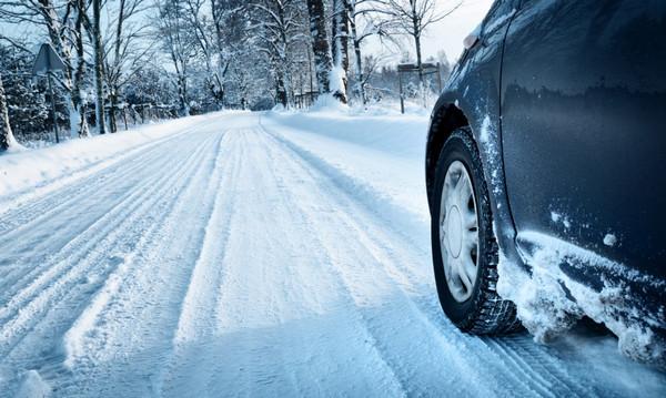 雪道 自動車