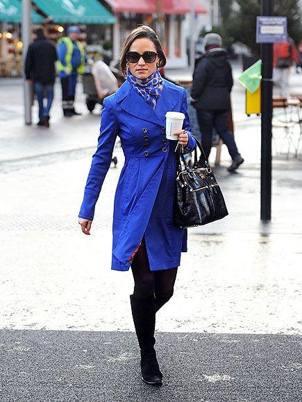 b06e57631c54930a4481a46bf0b43ce7--blue-christmas-blue-coats.jpg