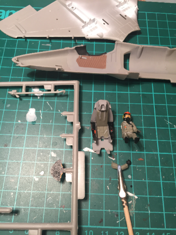 A-4 コクピット塗装