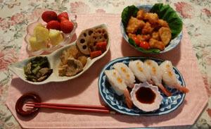 晩御飯 イカ天ぷら 煮物3品 エビ寿司