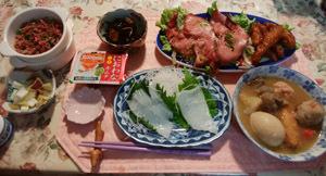 晩御飯 イカ刺身・おでん・ローストビーフ・ひじき煮