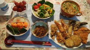 揚げ物・きんぴら・お味噌汁・サラダ