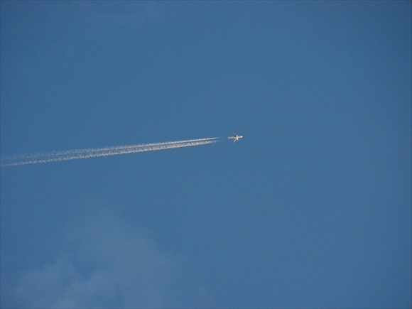 Jet-1_R.jpg