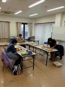 教室の作陶風景
