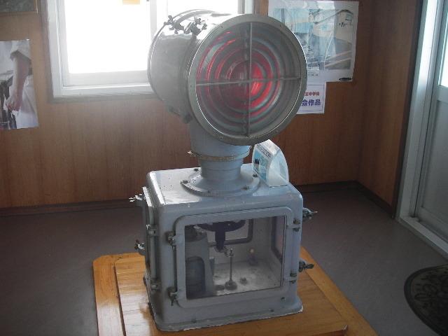 蒲郡市の横田鼻灯台LB40型灯器