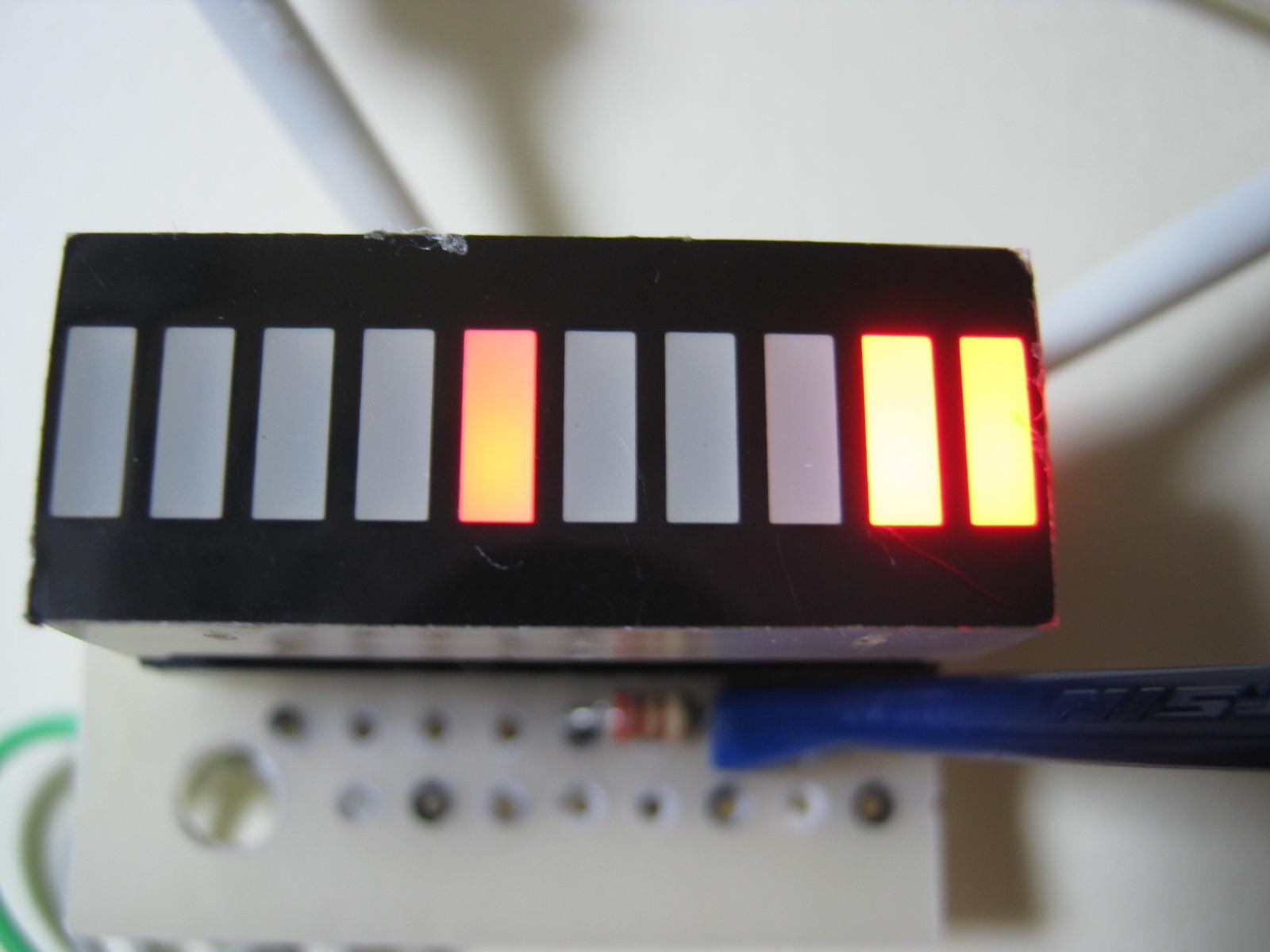 RFチェッカー表示部の製作(ATtiny13A版)表示例バトロボーグ