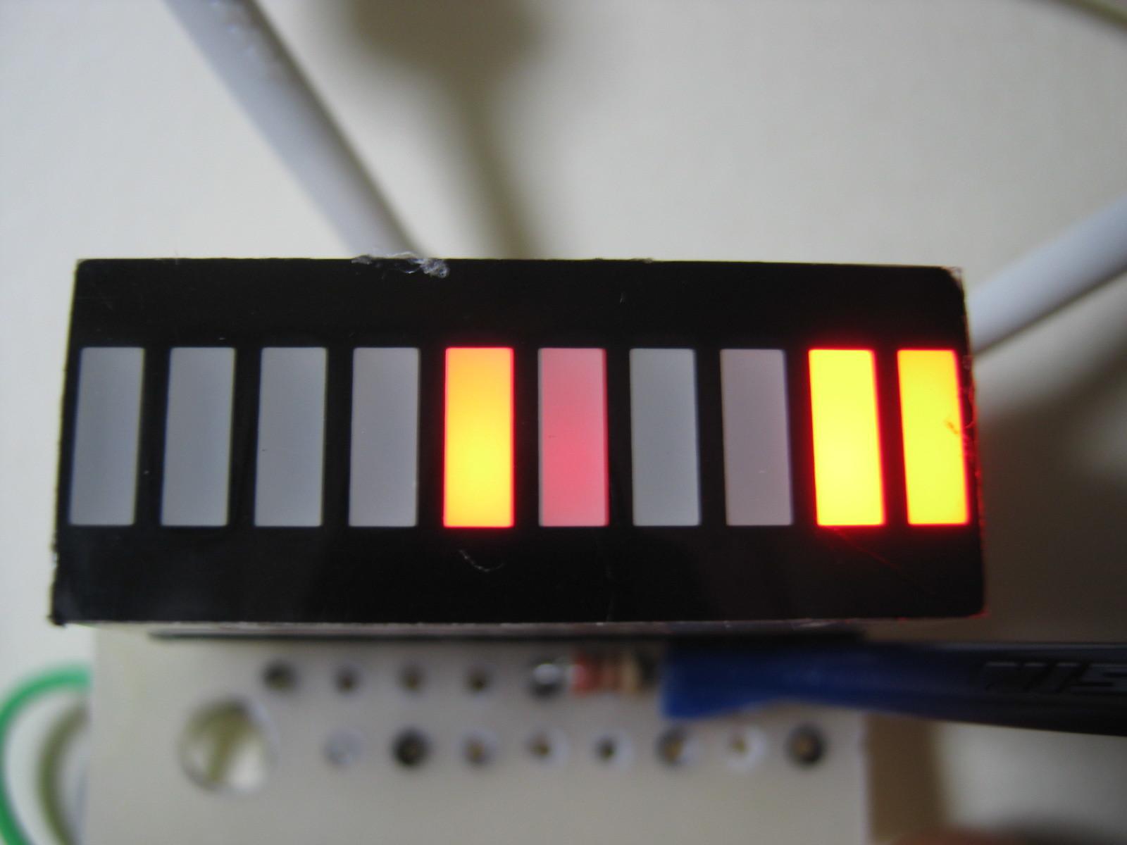 RFチェッカー表示部の製作(ATtiny13A版)表示例2400MHzラジコン2
