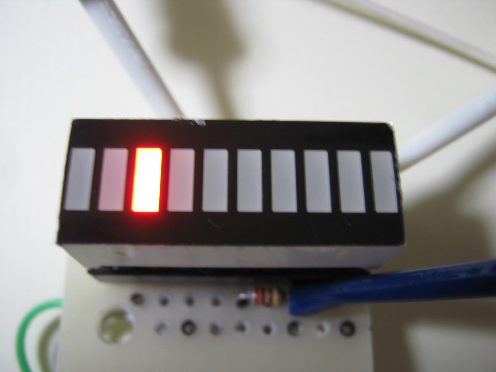 RFチェッカー表示部の製作(ATtiny13A版)表示例27MHz無変調時