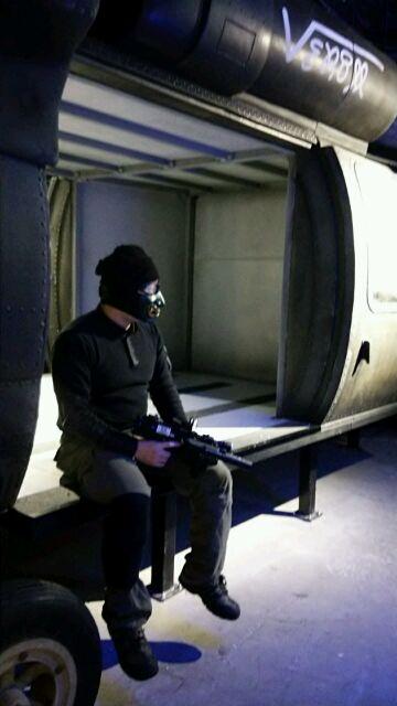 ブラックホークで休むガチザムライ