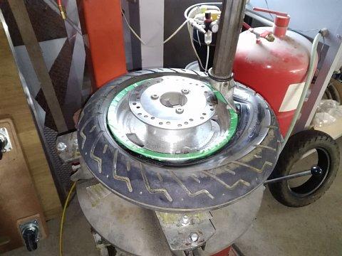 ジョーカー90 タイヤ交換
