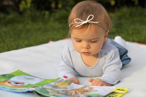 女の子赤ちゃん01
