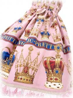 王冠の色違う。