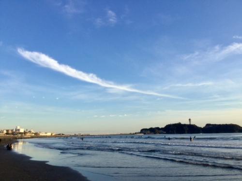S20180107江の島鳥の羽の雲