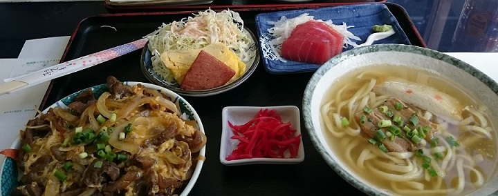 牛すじ丼セット