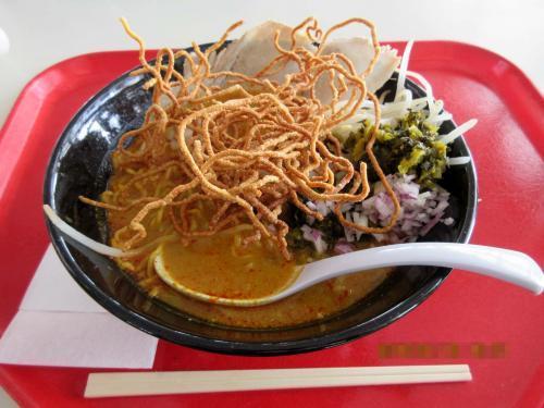 カオソーイ(卵麺)