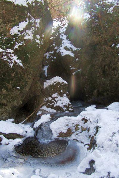 ネジレの滝