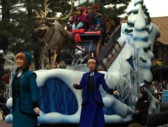アナと雪の女王のパレード