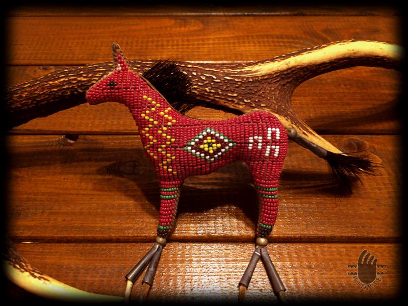 Beaded Horse Amulet 1